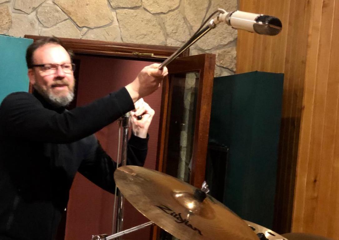 """Gustavo Borner: """"Mi método parte del humor, yo me tengo que divertir adentro del estudio"""""""