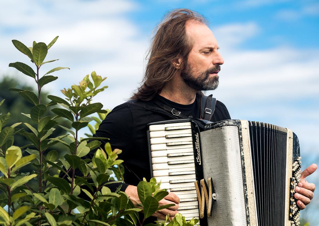 """Chango Spasiuk: """"Debemos conocer más la historia de nuestra música popular"""""""